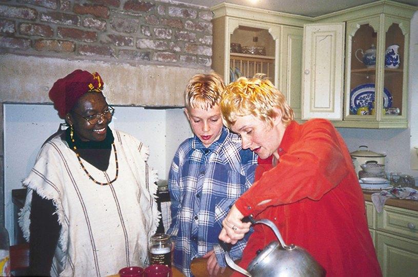 Toro-and-the-teapot